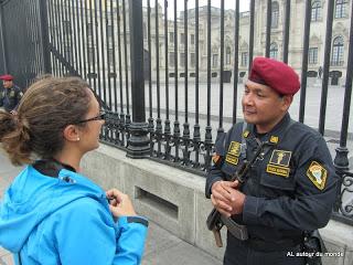 Devant le Palais du Gouverneur - Lima